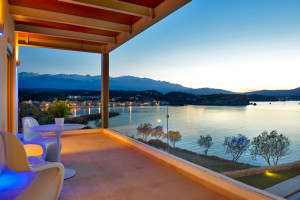balcony-greece-villas